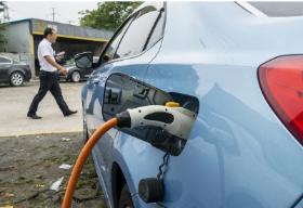 上海新能源汽车牌照申领周期将压缩至10个工作日内,推动业务流程变革