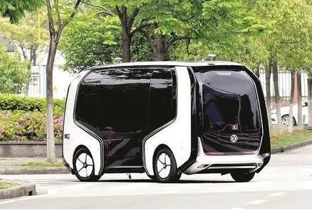 """上海首个中心城区自动驾驶开放测试道路推出,""""未来车""""产业加速驶入现实"""
