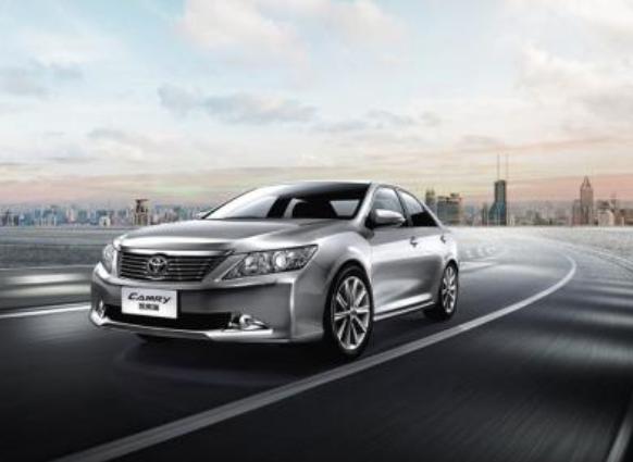 """上海对购买新能源汽车的消费者给予""""充电补助"""""""