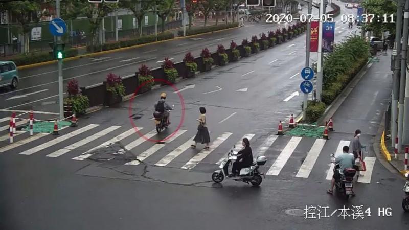 惊呆!上海一驾驶员单日被扣63分,罚7900元!他到底做了啥事?