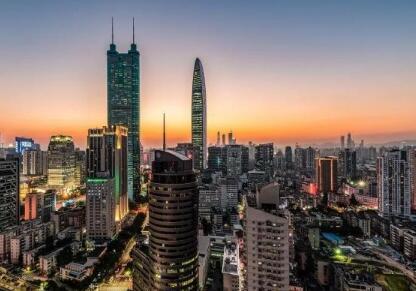 上海和深圳哪个更发达?年轻人去上海还是深圳?