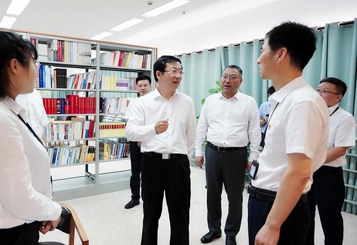 近日,刘学新赴普陀、宝山、长宁等区调研基层纪检监察工作